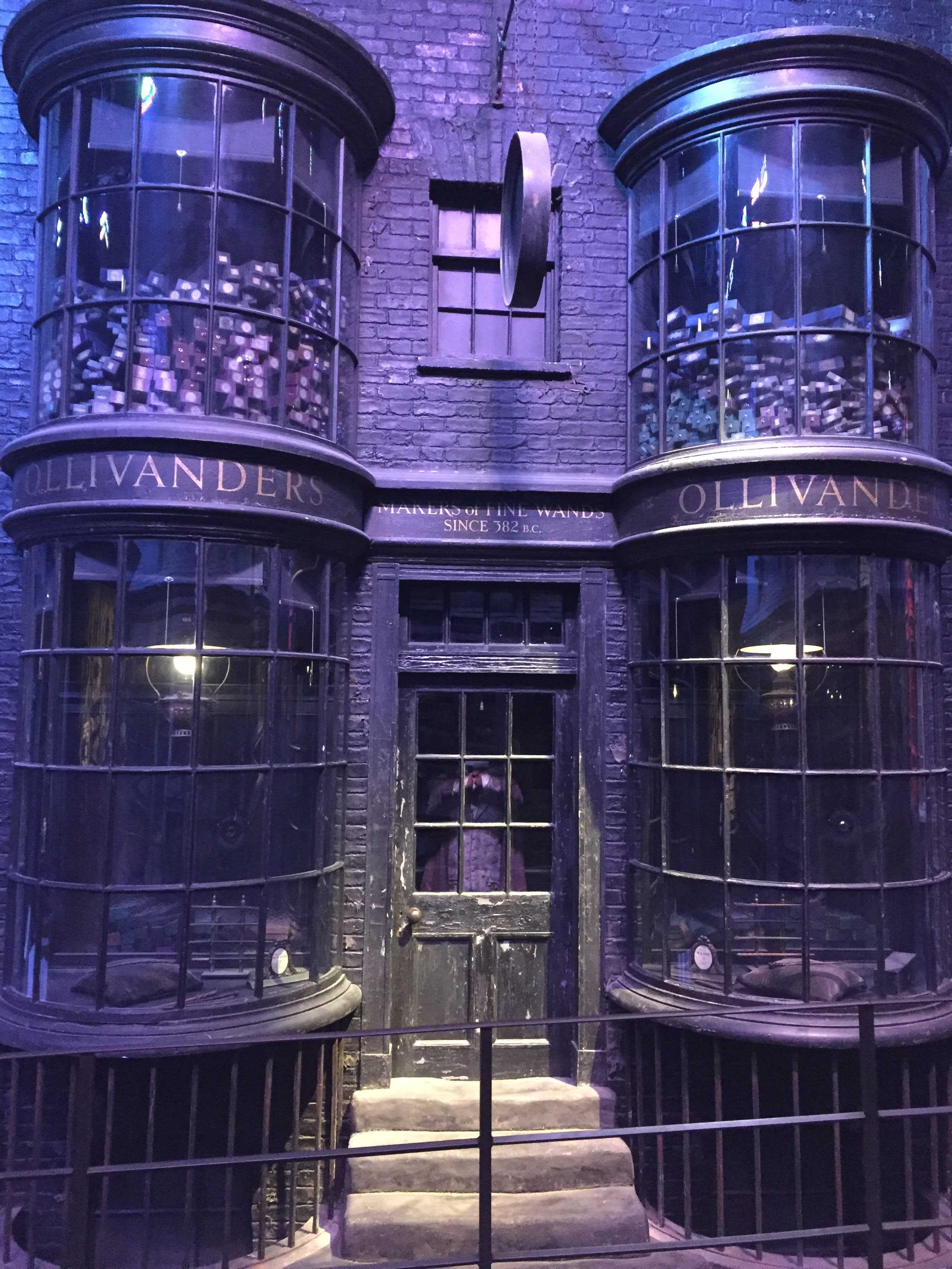 La boutique d'Olivander dans le chemin de Traverse Harry Potter